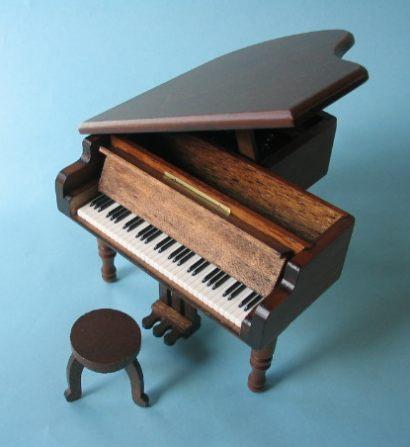 18弁在庫曲グランドピアノ