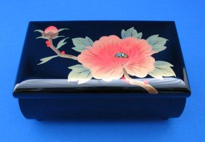 18弁会津漆器宝石箱