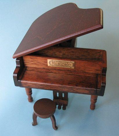 18弁グランドピアノ